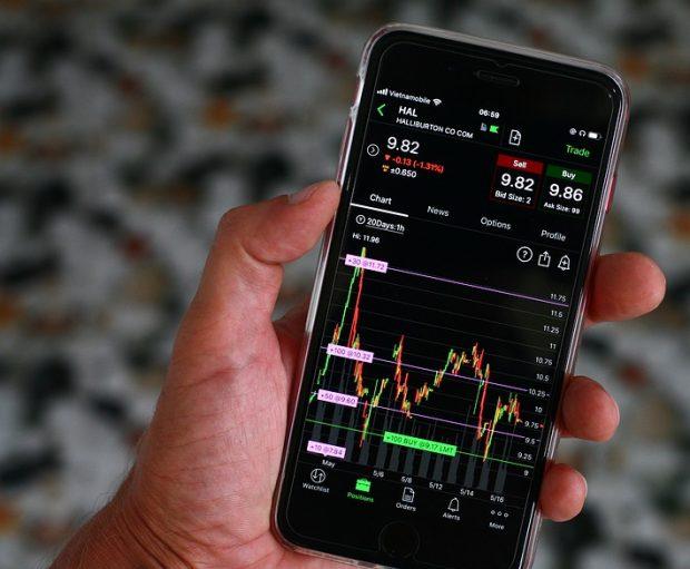 stockmarket 620x511 - Biggest Stock Market Crashes Throughout History